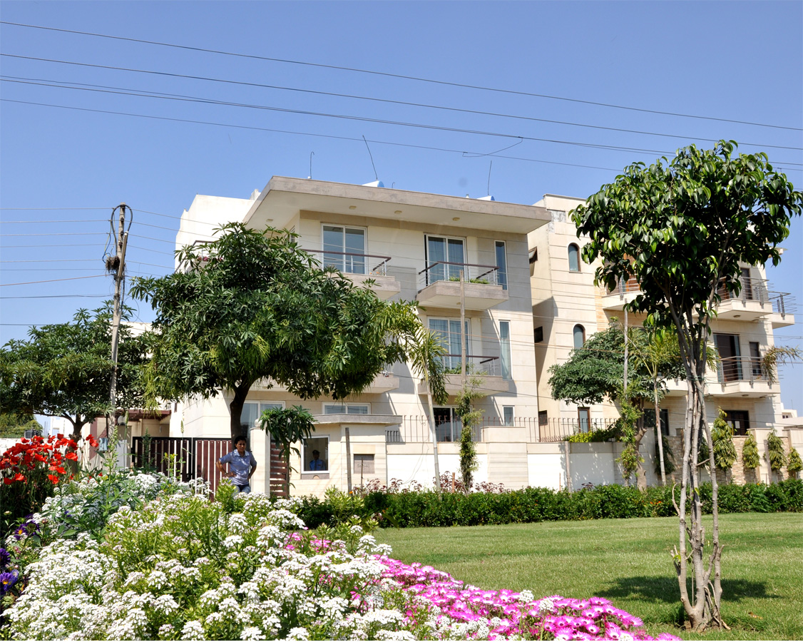 Perch Front Lawn- Service apartment Gurgaon